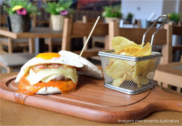 restaurante Hamburgueria porto DSC_0591Tasquinha d Caco_ sitio na net-edit-min
