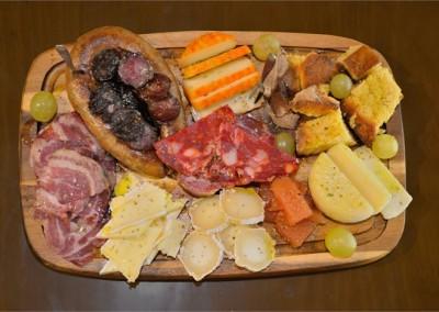 Tábua à Tasquinha (queijos e enchidos)